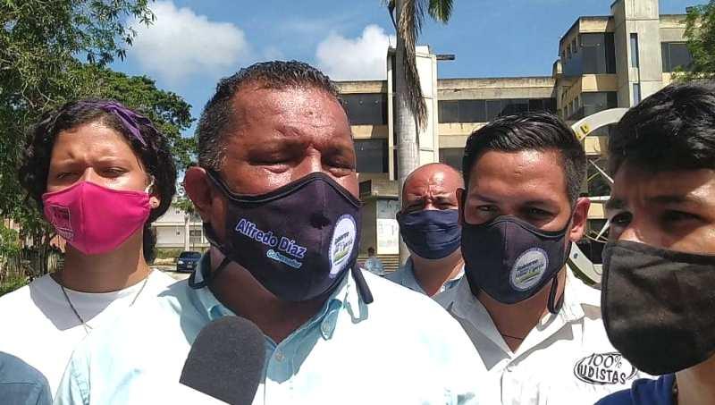 """El gobernador Alfredo Díaz anunció el regreso del programa de becas """"Somos Nueva Esparta"""" para los estudiantes de la UDONE"""