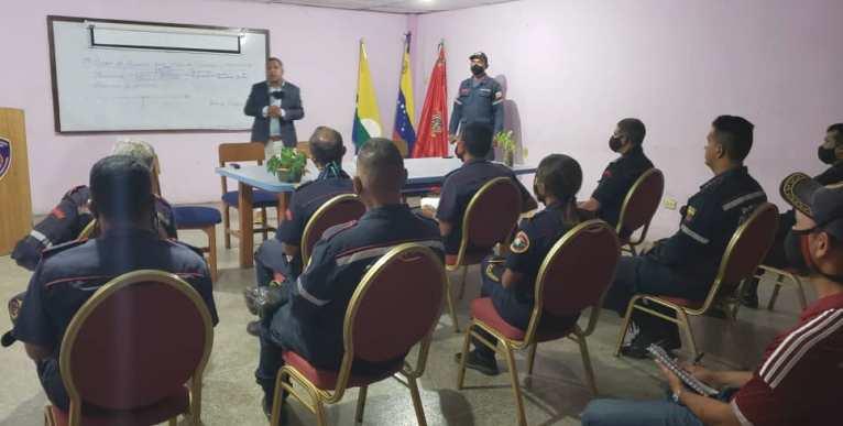 El gobernador Alfredo Díaz, dio pie al inicio de los cursos gerenciales en el Cuerpo de Bomberos de Nueva Esparta