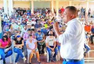 El gobernador Alfredo Díaz se bañó una vez más del respaldo popular del pueblo de Macanao