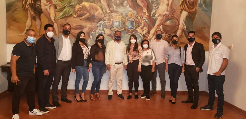 El gobernador Alfredo Díaz se reunió con representantes del sector inmobiliario para presentar la Agencia de Desarrollo de Nueva Esparta