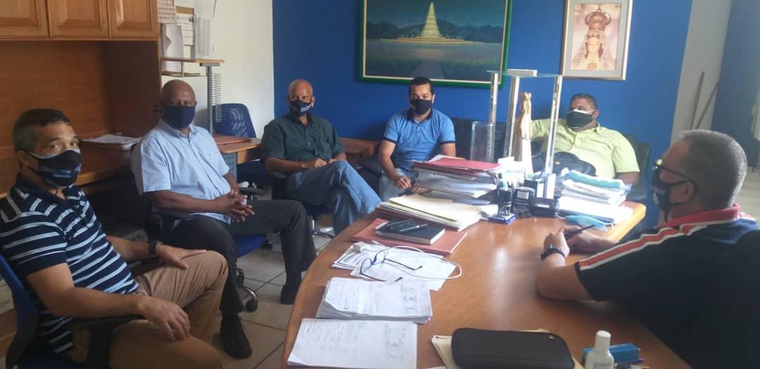 Los directores del área administrativa del Poder Ejecutivo regional se reunieron buscando fórmulas para honrar compromisos con los trabajadores