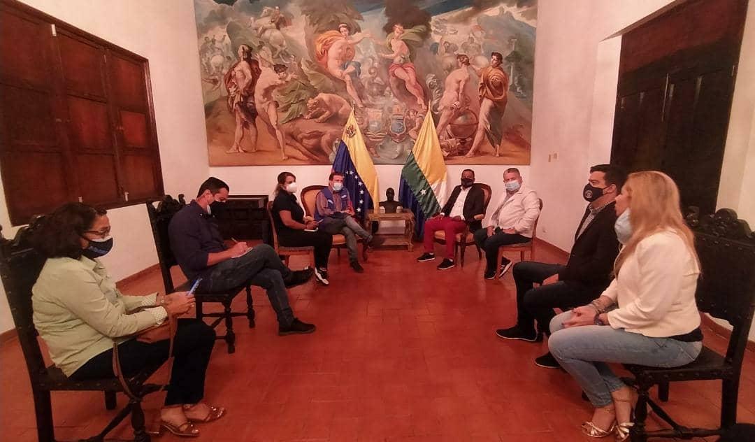 El gobernador Alfredo Díaz y el secretario general de Gobierno, Nicola Penna Millán presentaron planteamientos a la misión de la ACNUR