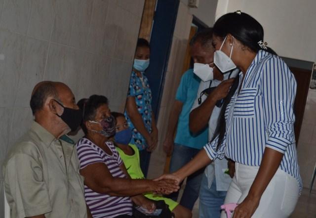 El mandatario regional Alfredo Díaz garantizando la salud de su pueblo.