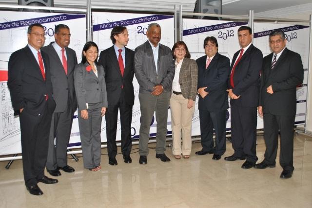 Venezuela banco exterior reconoce la trayectoria de sus for Banco exterior empleo caracas