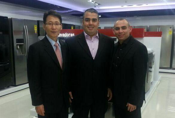 Presidente de Samsung Venezuela y representantes de Consorcio LUX_