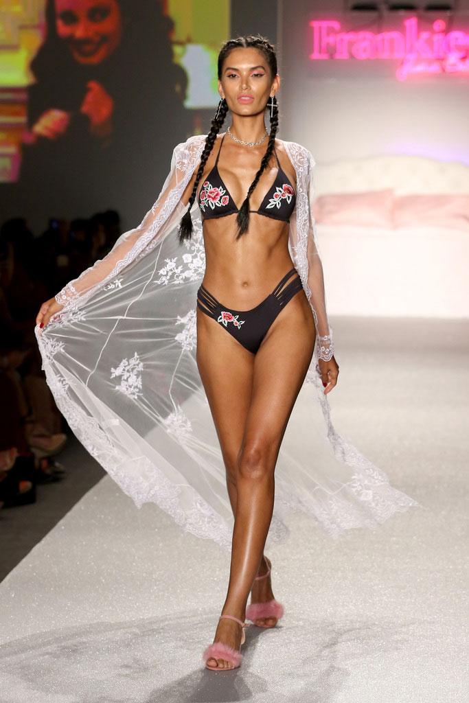 Estela-Frankies-Bikinis-RE18-Look-7