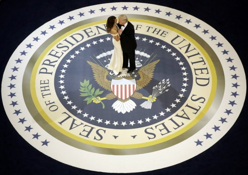 Donald Trump, baila con la primera dama, Melania Trump