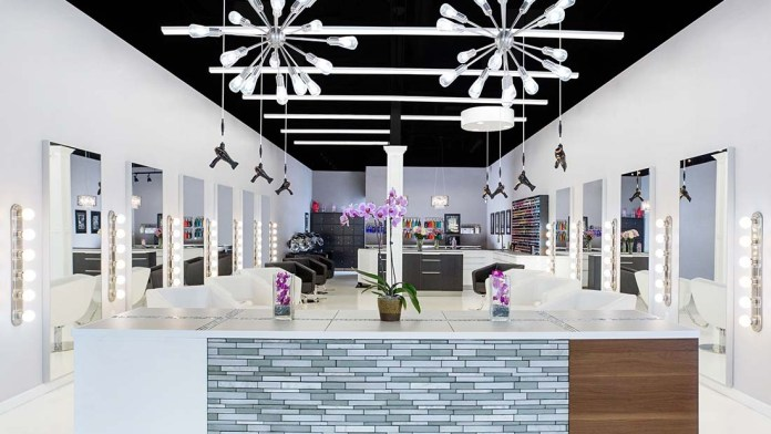 How To Create a Healthy Salon Environment for Stylists