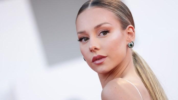 Recrea el look de la actriz Ester Expósito, paso a paso con Moroccanoil