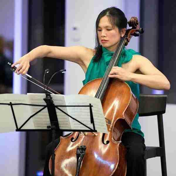 julia-tom-cello