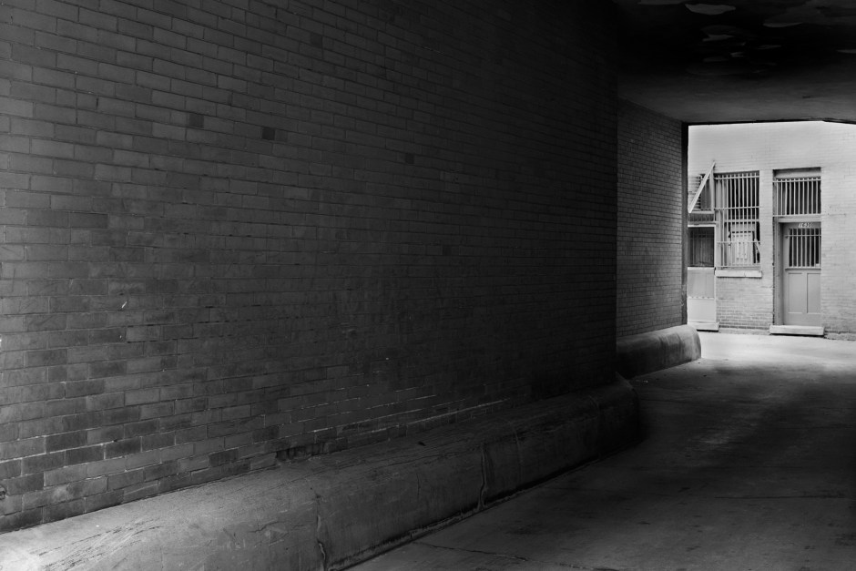 Andersonville_Alley_©_Dave_Roth