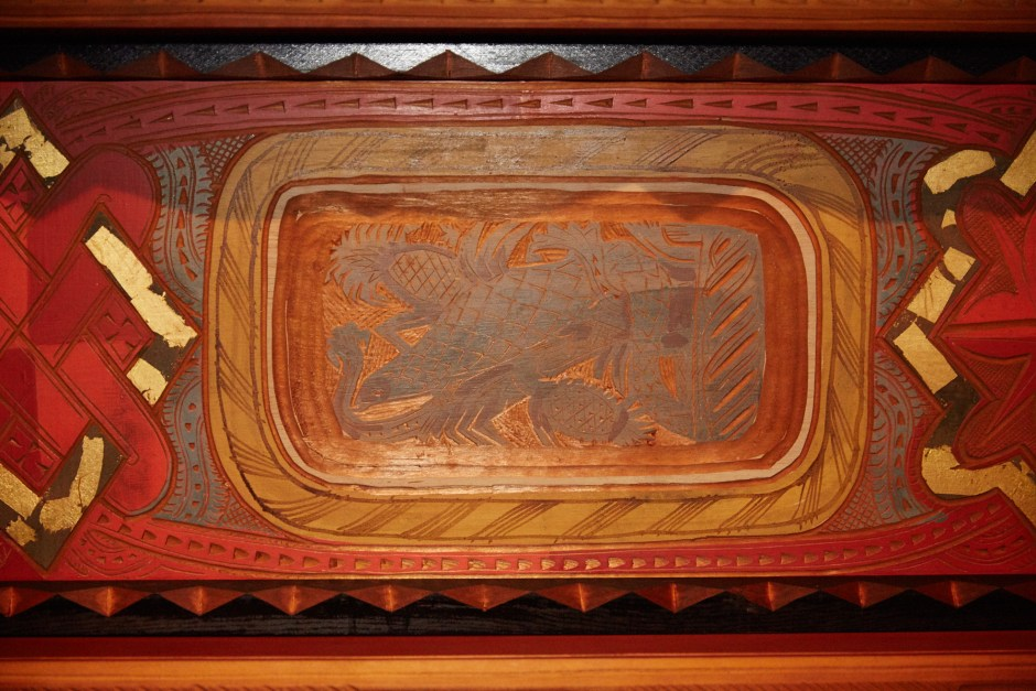 Wood_ceiling_carving_at_Glasner_Studio_(1929)