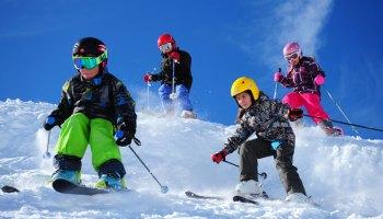 Cómo elegir esquís para niños y qué tener en cuenta 327cfdc33198