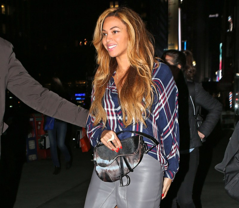 Beyoncé-saddle-bag
