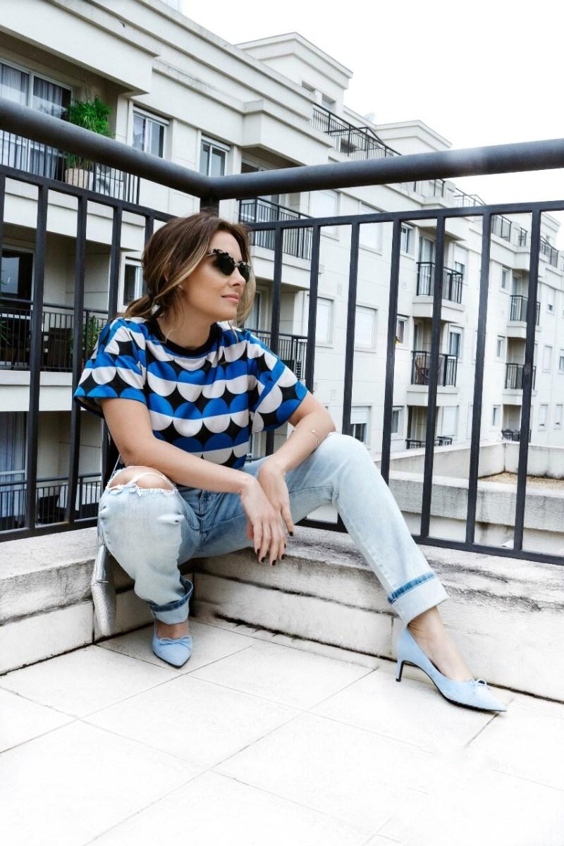 1 jeans destroyed em 4 looks para mulheres depois dos 40