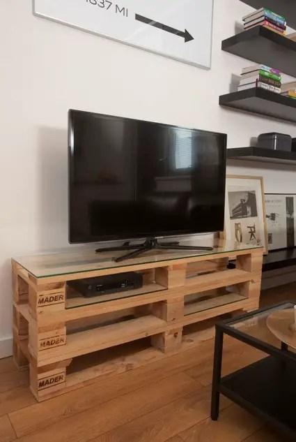 Mesa de TV con palets