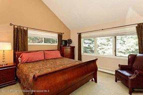 Aspen real estate 122716 135044 203 E Hallam Aka 222 N Aspen St Street 4 190H