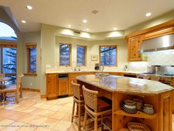Aspen real estate 123016 137282 132 N Spring Street 3 190H