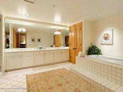 Aspen real estate 123016 137282 132 N Spring Street 5 190H