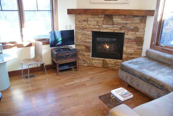Aspen real estate 101616 144277 501 W Main Street A101 2 590W