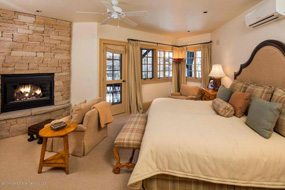 Aspen real estate 011517 145500 311 Park Avenue 4 190H