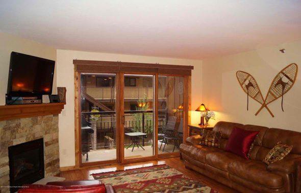 Aspen real estate 081317 147860 400 Wood Road B 2104 2 590W