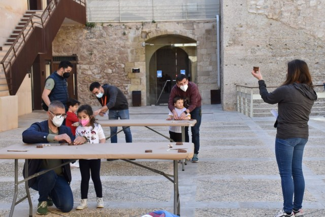 El MAHE retoma los talleres didácticos sobre cerámica prehistórica con las máximas garantías sanitarias
