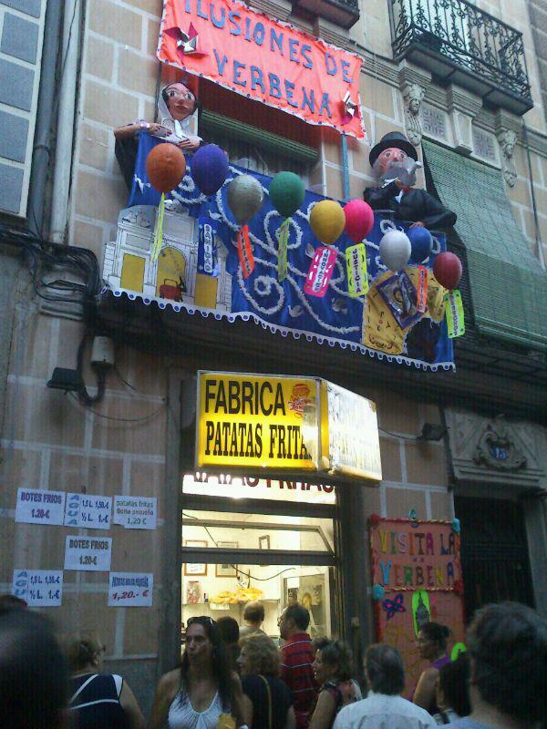 Rua de La Latina decorada