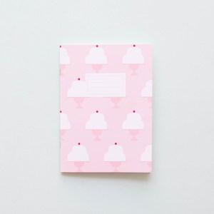 Ilustradora Estrella de Pablo, cuaderno rosa