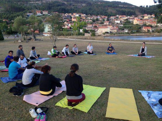 La primera clase de yoga de Nahir