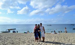 Mommy Jem with family at Sabangan beach resort