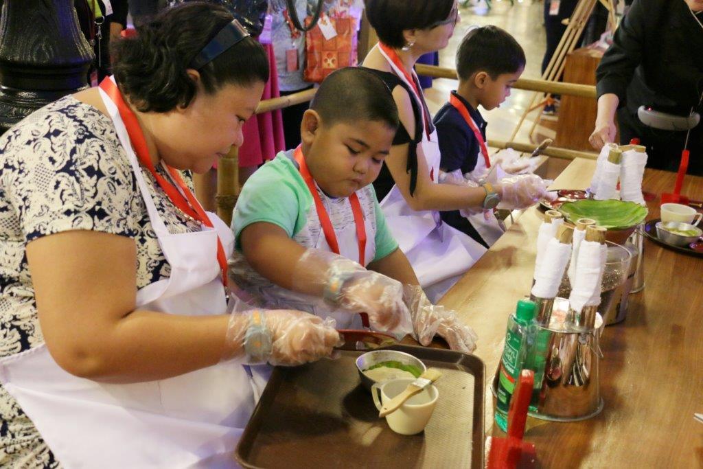 Making puto bumbong and bibingka at KidZania Manila
