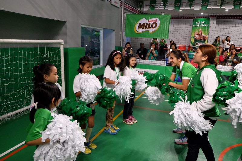 MILO athlete, Gretchen Ho, joined these cheerleaders as they started their path to an active and healthy lifestyle.