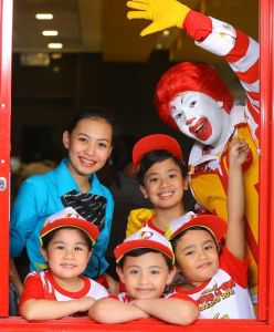 What kids do at the Mc Donald's Kiddie Crew Workshop?