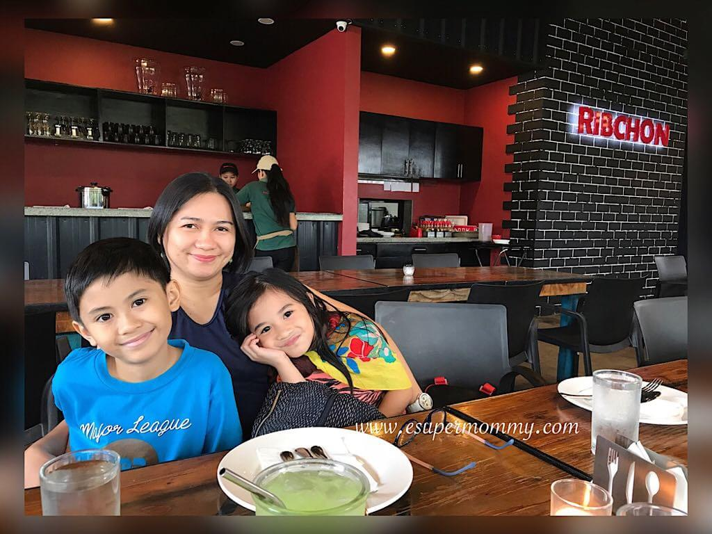 Mykids and I at Ribchon