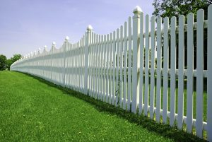 The Best Fence Maintenance Tips for the Spring