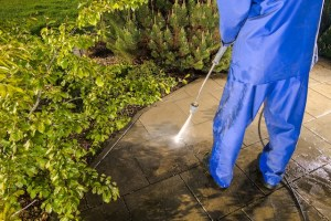 Easy Ways to Power Wash Your Home's Deck
