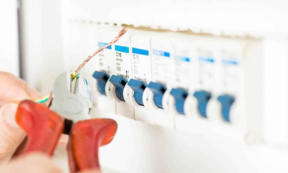 Devis pour faire une rénovation d'électricité à la maison