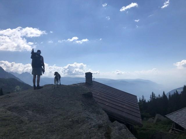 Aussicht genißen beim Wandern Meraner Höhenweg