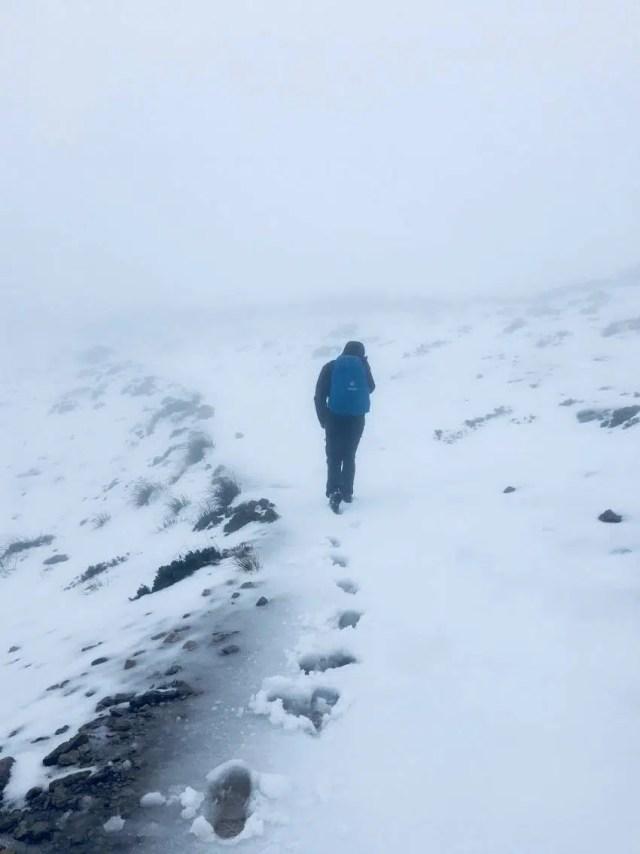 Regenjacke bei Schnee und Kälte