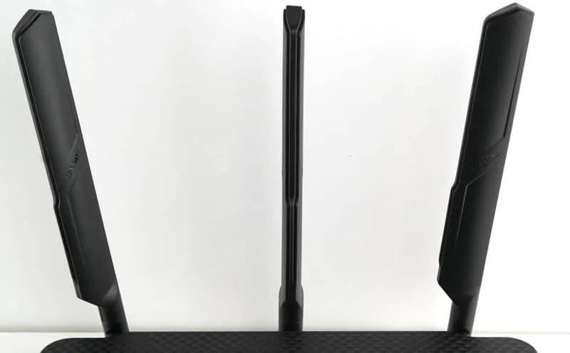 D-Link_DIR855l-Photo-antennas