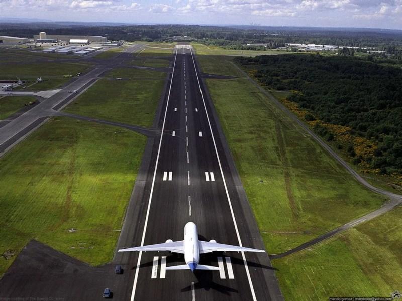 airport_runway_wallpaper-28818