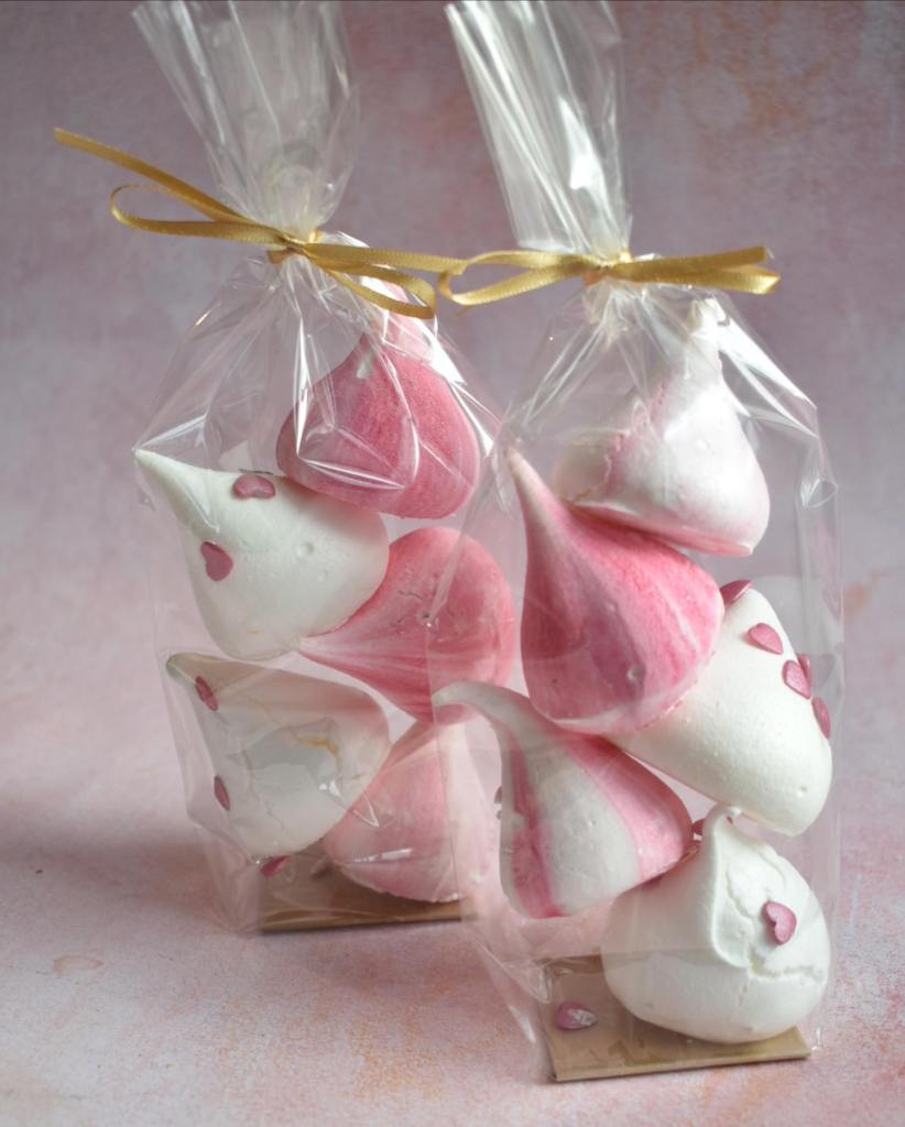 Valentines day meringue kisses from Meringue Girls