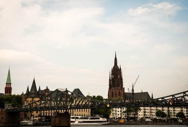 frankfurt-2727024_640