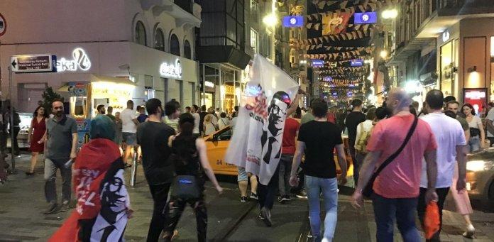 Κωνσταντινούπολη: Πανηγυρισμοί πολιτών για τη νίκη Ιμάμογλου (pics+vid)