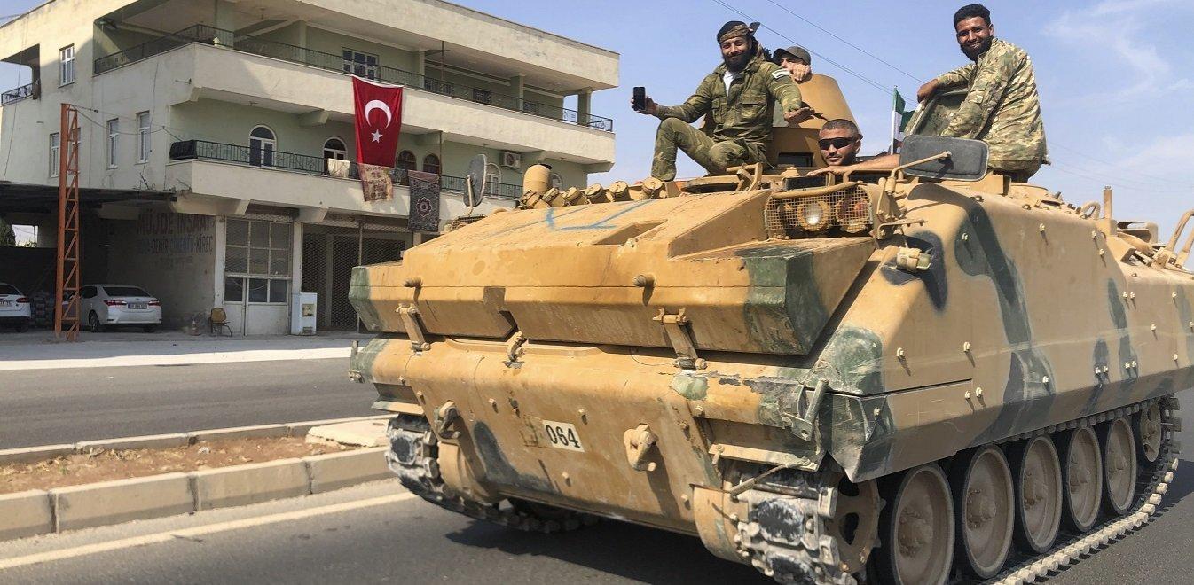 Στα δύο η Συρία: Με τουρκική λίρα οι αγορές - Ανοιχτό το αεροδρόμιο στο Χαλέπι