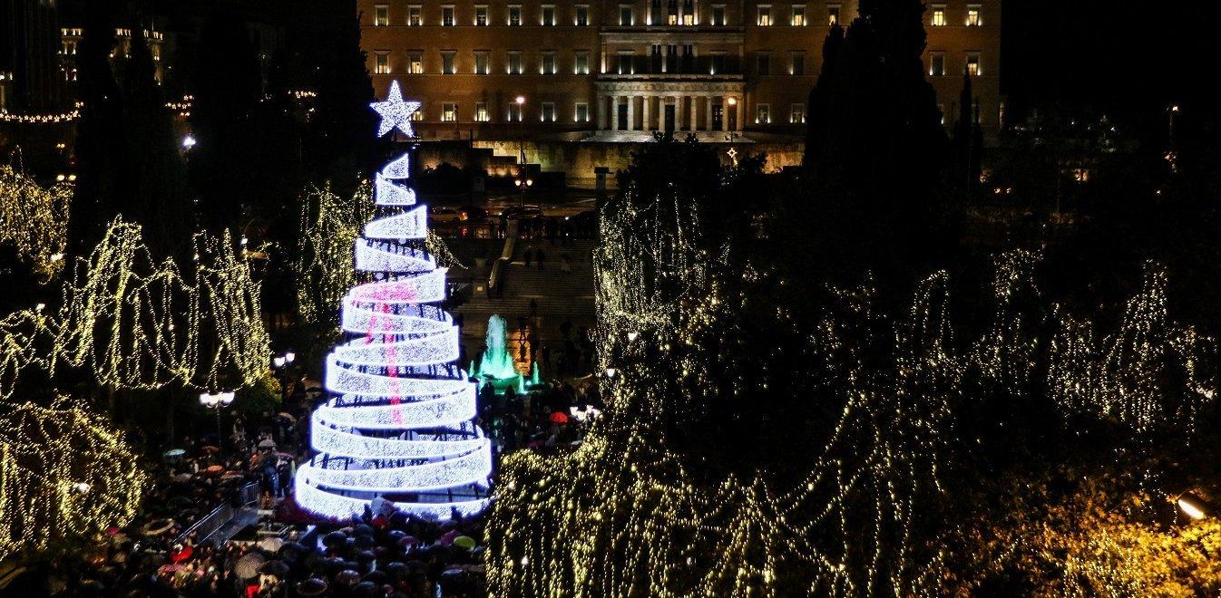 Δήμος Αθηναίων: Η Coca-Cola αναλαμβάνει το χριστουγεννιάτικο στολισμό στο Σύνταγμα
