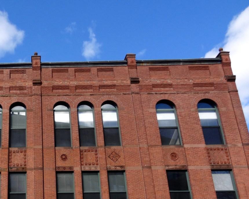 Clifford, Black Building