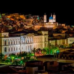 Θέα Δημαρχείο Ερμούπολης, Σύρος, κεντρική πλατεία από τα ρομαντικά δωμάτια