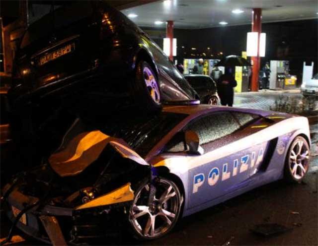 incidente lamborghini polizia